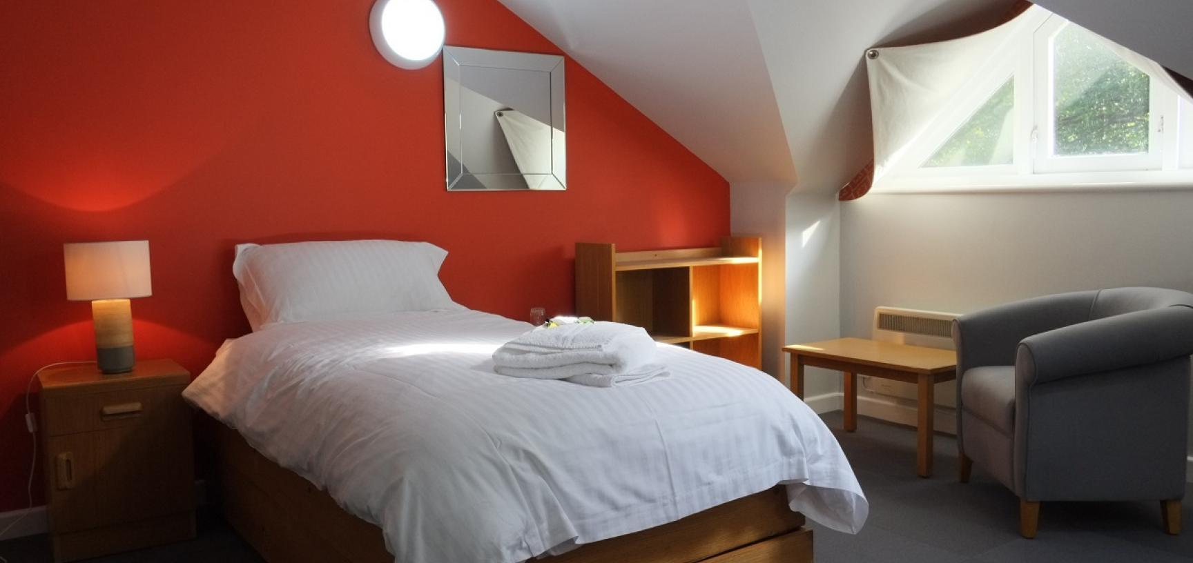 canal buiding bedroom
